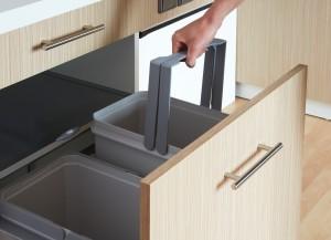 cuisine poubelle tri selectif 2 300x217 Cuisine thérapeutique et ergonomique