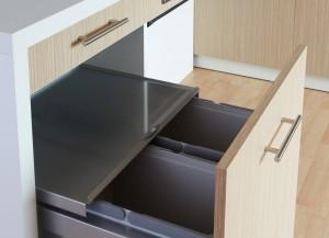 cuisine poubelle tri selectif 300x217 Cuisine thérapeutique et ergonomique